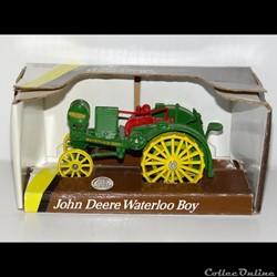 Ertl 5744 - John Deere JD Waterloo Boy -...