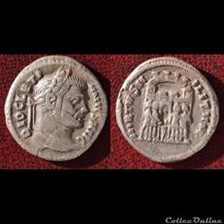 Diocletien - Argenteus - VIRTVS MILITVM