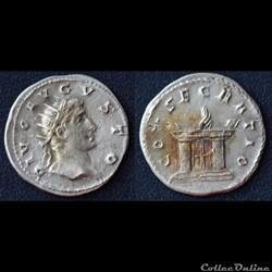 Trajan Dèce pour Auguste - Antoninien - CONSECRATIO