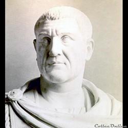MaximinIerle ThraceouMaximinIerouMaximinle Thrace(Caius Julius Verus Maximinus Thrax) (° vers173- †238) est unempereur romainqui régna de235à238, pendant la période dite de l'«Anarchie militaire». Un officier sorti du rang Il naît enThracevers 173 (date...