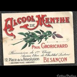 ancienne étiquette de pharmacie et vieux papiers
